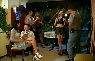 Zwei aufregende Shemales wissen, wie man sexfilme gratis mit reifen frauen Spaß hat