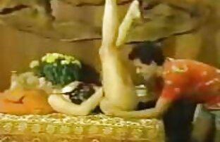 Eltern sexfilme mit ältere frauen spucken junge Blondine mit großen Titten