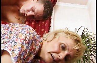 Stewardess necken Körper Passagier ältere sexfilme stout